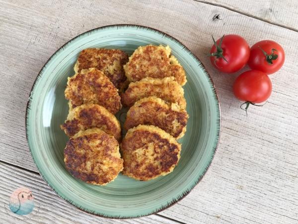 Hirse Käse Taler schnabel-auf