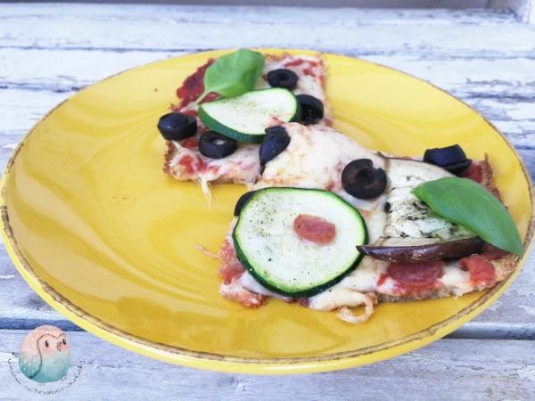 Pizza mit Boden aus Quinoa schnabel-auf.de